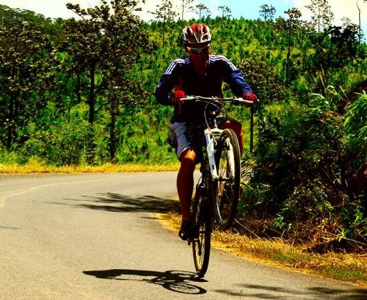 mountainbiking-in-dalat-with-highland-sport-travel-(11)