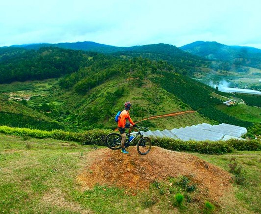 mountainbiking-in-dalat-with-highland-sport-travel-(17)---Copy