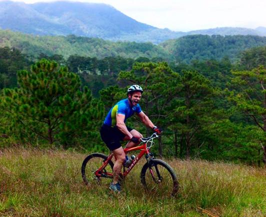 mountainbiking-in-dalat-with-highland-sport-travel-(2)