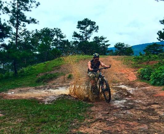 mountainbiking-in-dalat-with-highland-sport-travel-(31)