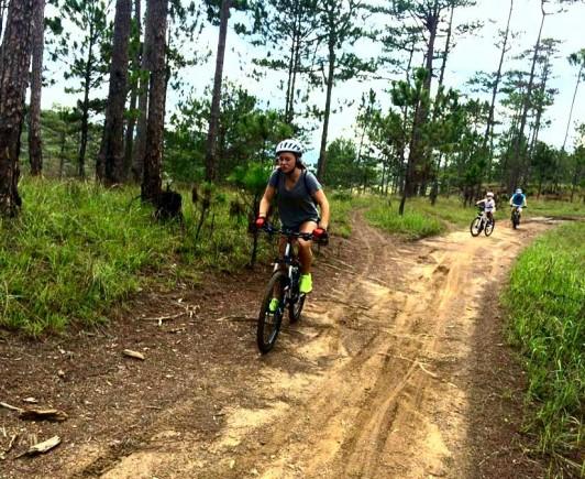 mountainbiking-in-dalat-with-highland-sport-travel-(5)